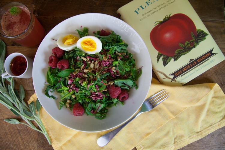 wild-mustard-green-microgreen-salad